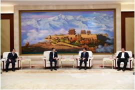 """伊利股份与甘肃武威签约 共同开拓新时代智慧""""乳业丝路"""""""