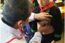 伊利集团潘刚密切关注先心病儿童 以公益力量呵护其健康成长